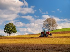 Farming_Agriculture_Tractor_Countryside-Small